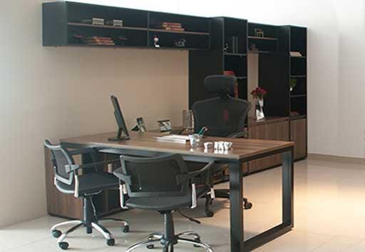 Mesa Para Escritório Diretoria Person - Armário em L - Móveis Planejados