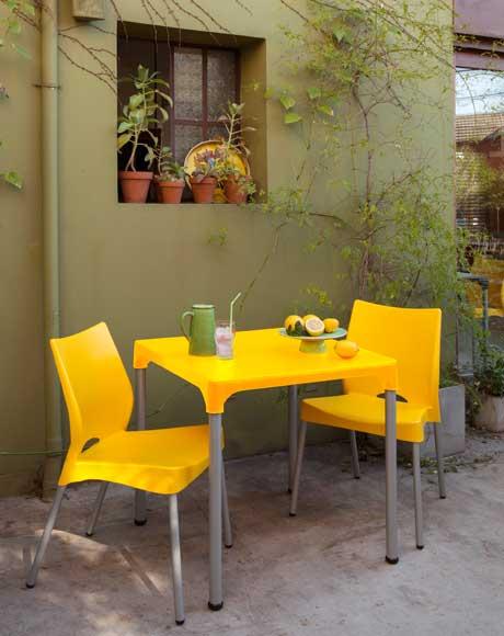 mesa plástica para varanda